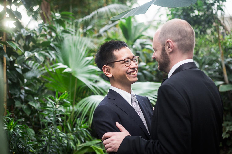 bloedel-conservatory-vancouver-gay-wedding-002