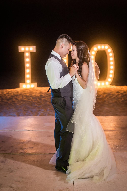 Huracan Cafe Wedding Photographer John Bello-22