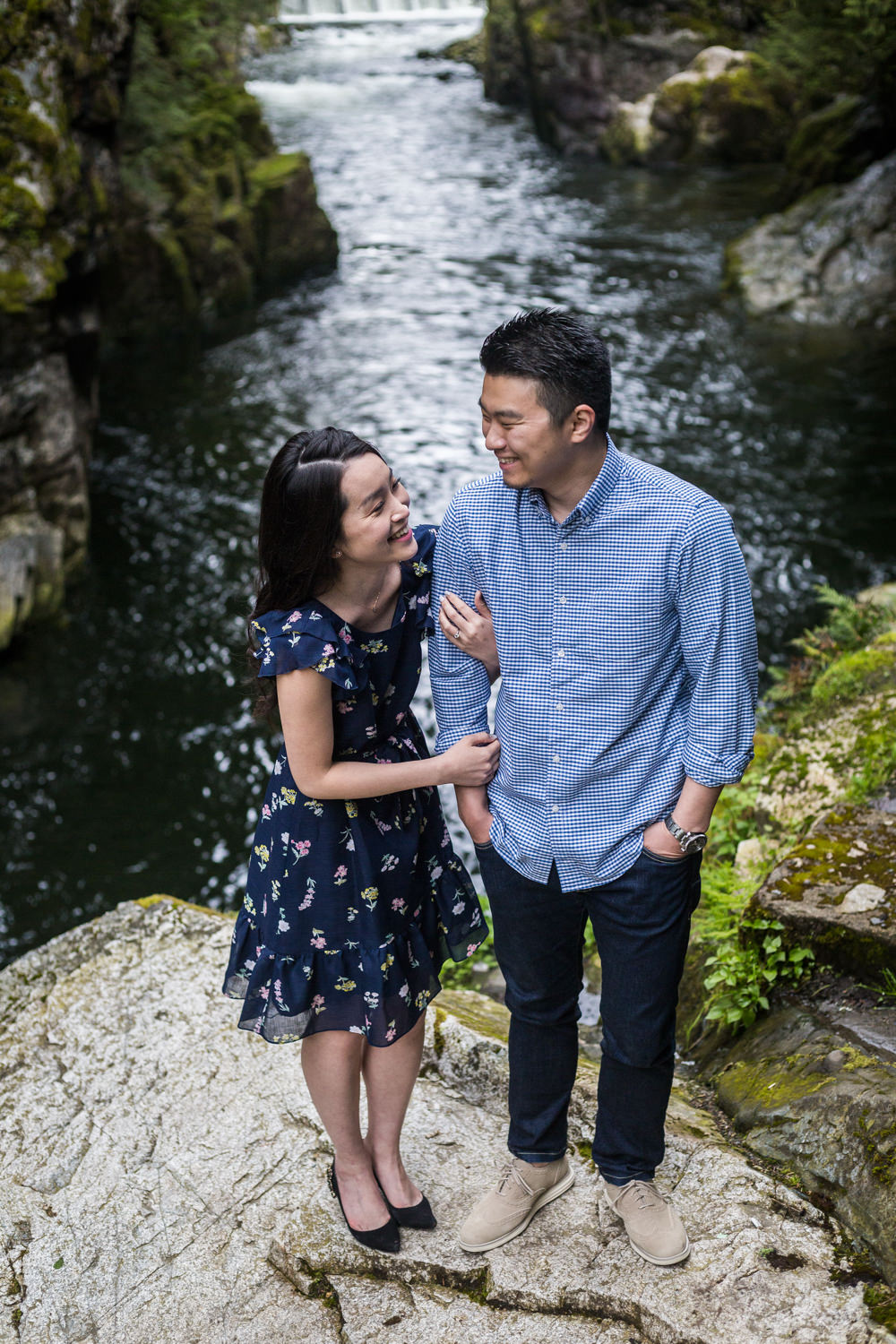 Capilano River Engagement May (4 of 7)