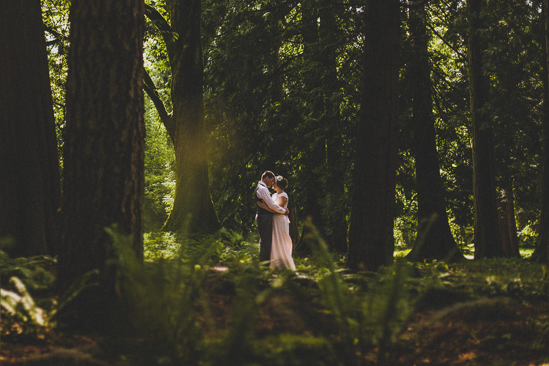 VANCOUVER WEDDING PHOTOGRAPHER | QUEEN ELIZABETH PARK WEDDING