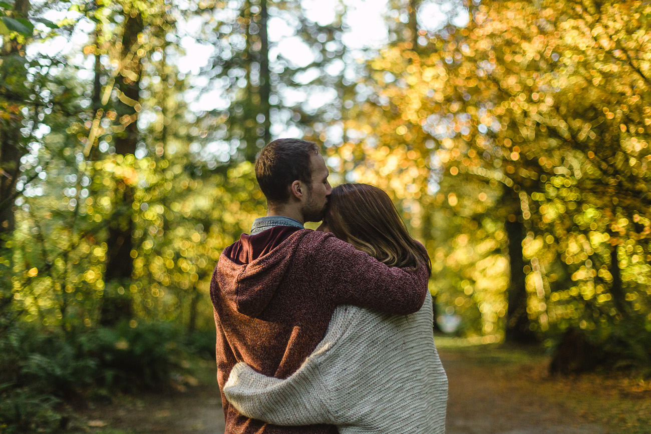 VANCOUVER WEDDING PHOTOGRAPHER | AUTUMN FOREST ENGAGEMENT PREVIEW